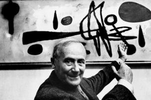 Joan Miró looking to the sky